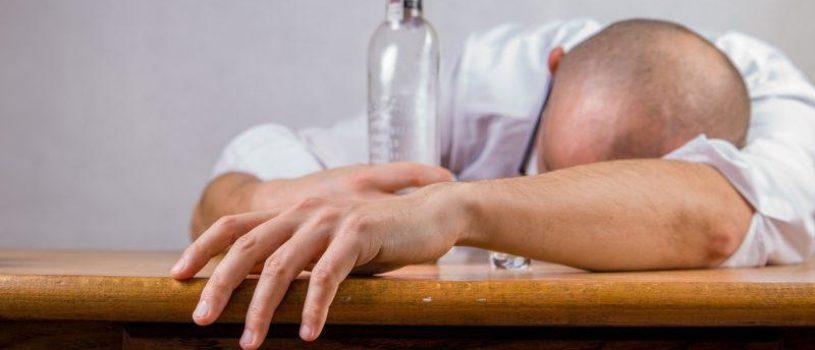 Как правильно лечить похмелье? Надежные методы и оказание первой помощи